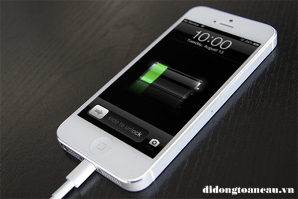 Sạc điện thoại iPhone qua đêm có ảnh hưởng gì không?