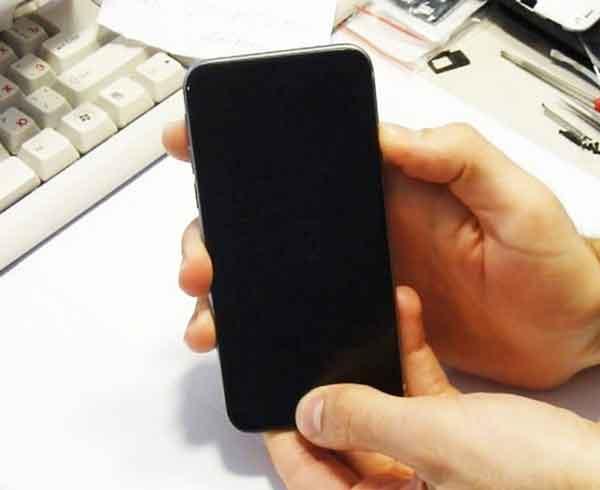 Khắc phục tình trạng màn hình Iphone bị đen