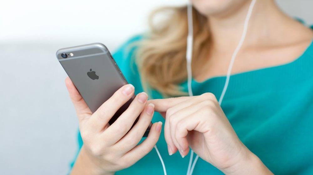 shutterstock iphone 6 storage music