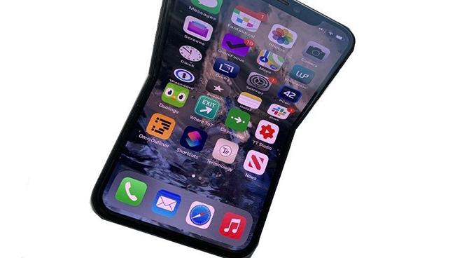 Ven man bi mat ve chiec iPhone gap lai co man hinh 8 inch 41767 81006 210403 iphonefold xl 1620106272 64 width660height368