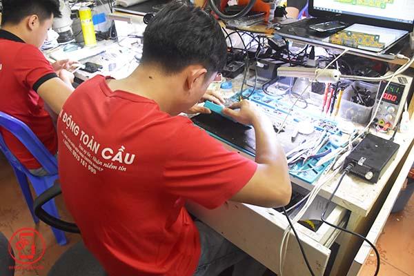 Sửa chữa điện thoại tại Thịnh Liệt